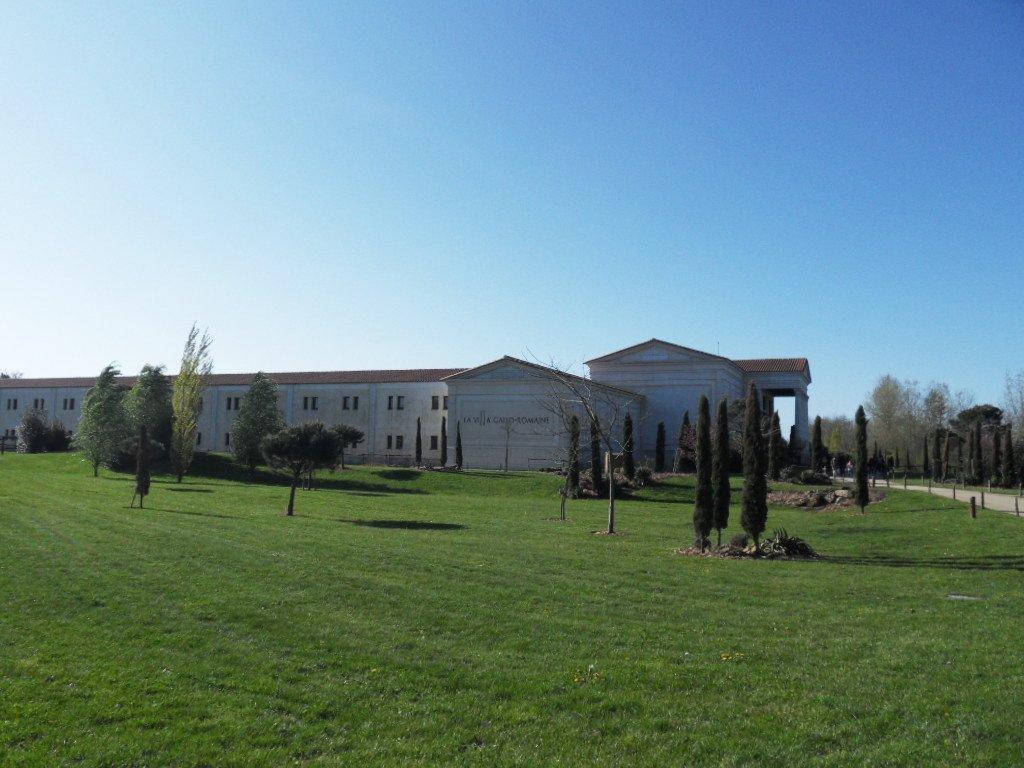 Le Puy du Fou : étape 1 : l'hôtel ! dans en promenade SDC19237