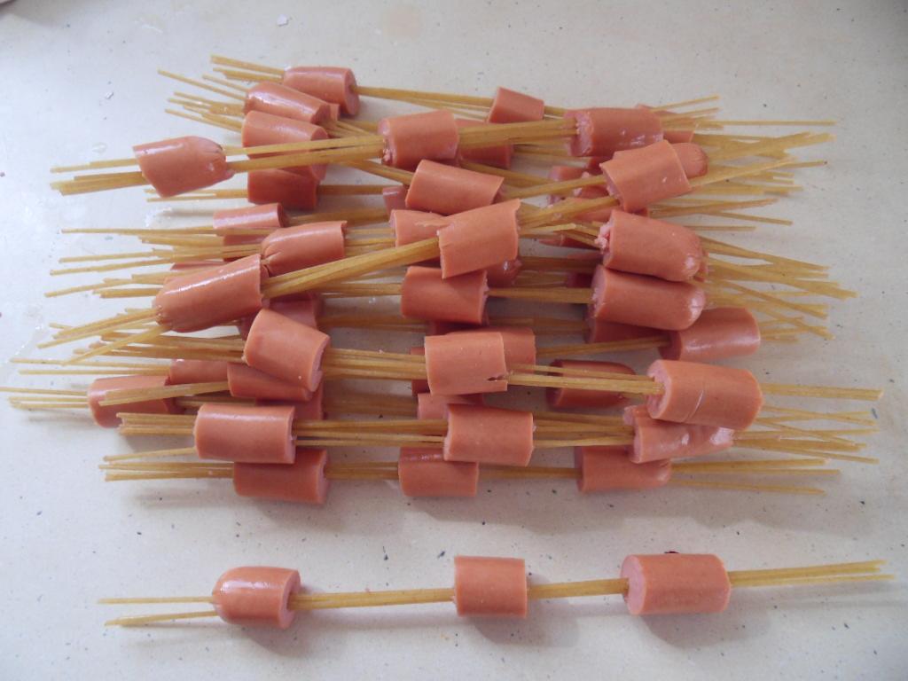Brochette spaghettis/saucisses dans Aux p'tits bonheurs sdc11942